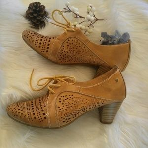 Pikolinos heeled leather cut-out booties, sz 39